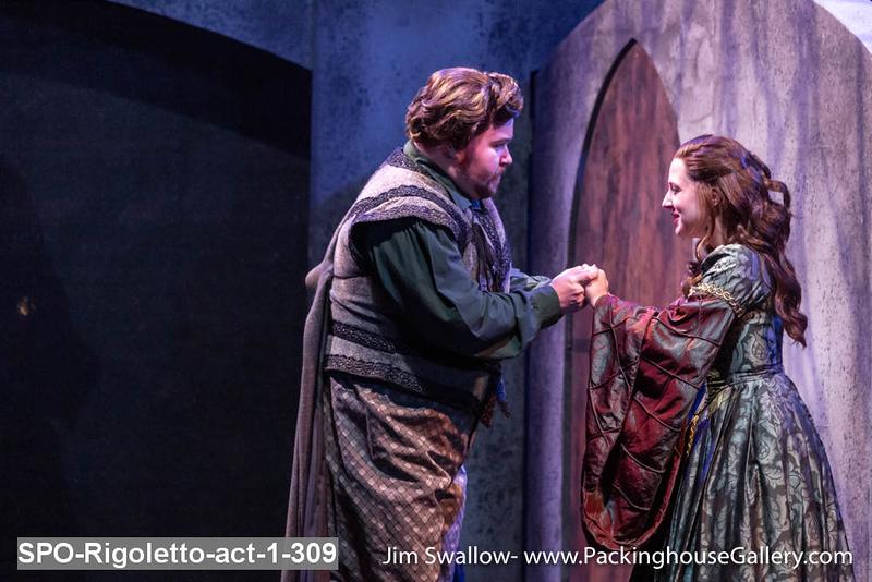 SPO-Rigoletto-act-1-309.jpg