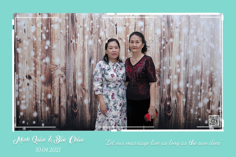 QC-wedding-instant-print-photobooth-Chup-hinh-lay-lien-in-anh-lay-ngay-Tiec-cuoi-WefieBox-Photobooth-Vietnam-cho-thue-photo-booth-034.jpg
