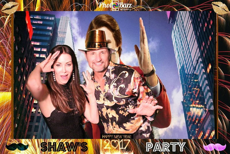 Shaws NYDay Party (27).jpg