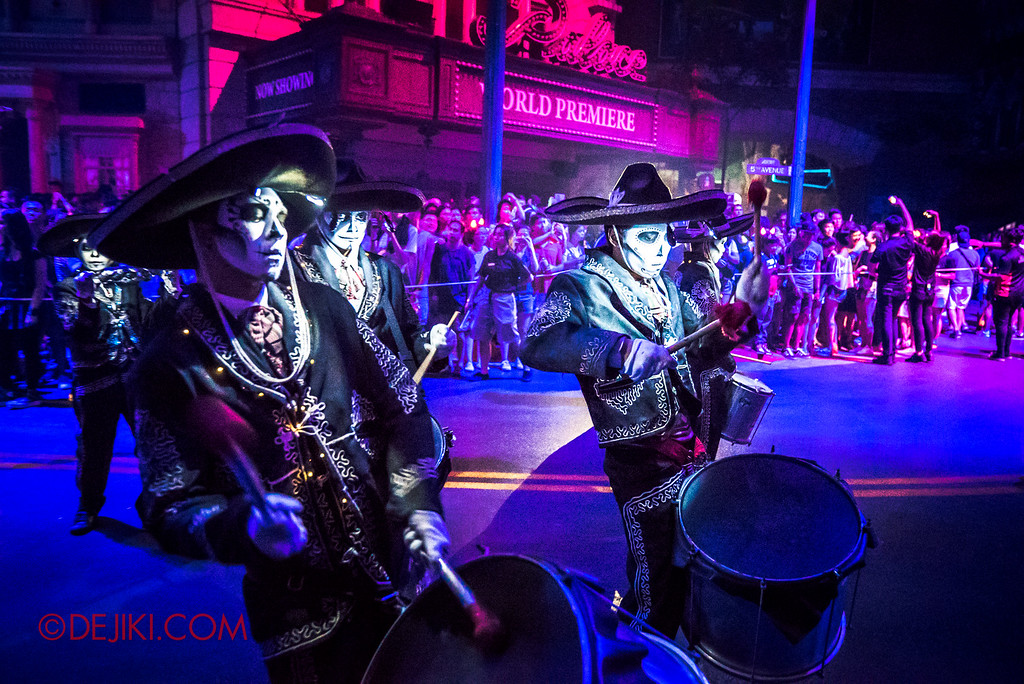 Halloween Horror Nights 6 - March of the Dead / Death March - The Band, the drum-off