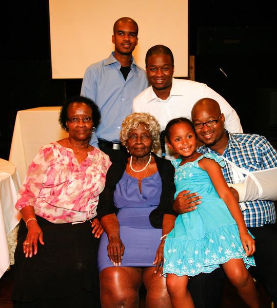 Edouard Family Reunion-3793.jpg