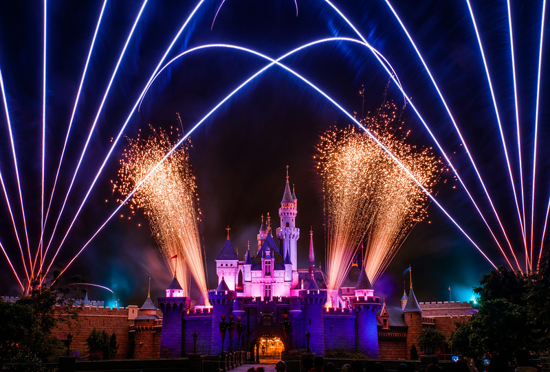 disney-in-the-stars-fireworks-hong-kong-disneyland-3.jpg