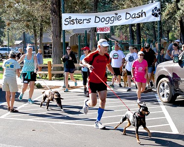 Sisters Doggie Dash 2015