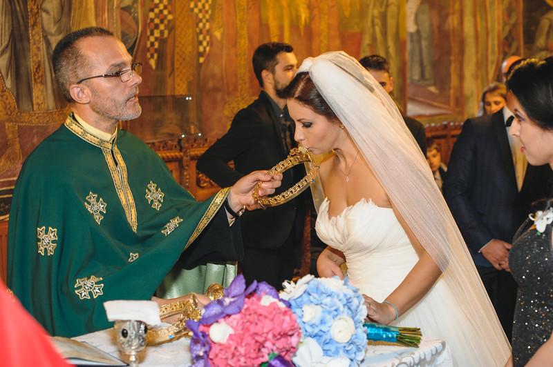 Andreea-biserica-18-October-2014-Nunta--LD2_7782Liviu-Dumitru.jpg