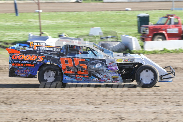Modifieds Hot Laps