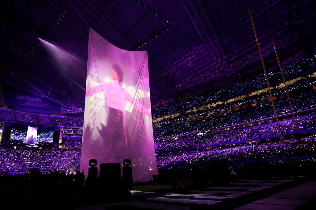 . Justin Timberlake performs during halftime at the NFL Super Bowl 52 football game between the Philadelphia Eagles and the New England Patriots, Sunday, Feb. 4, 2018, in Minneapolis. (AP Photo/Tony Gutierrez)