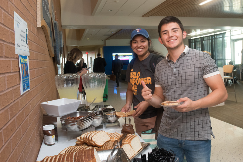 To see all the photos fromt this event go to: https://islanduniversity.smugmug.com/Events/Events-By-Year/2017/050317-Extreme-Peanut-Butter-and-Jelly/