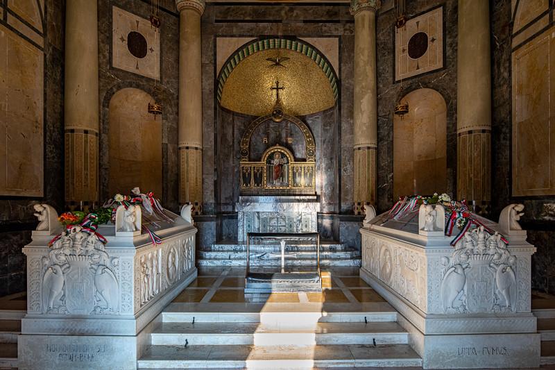 Krasnohorske podhradie mauzoleum-32.jpg