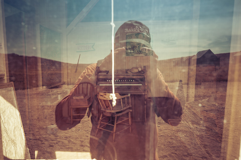 peeping_tom_web.jpg