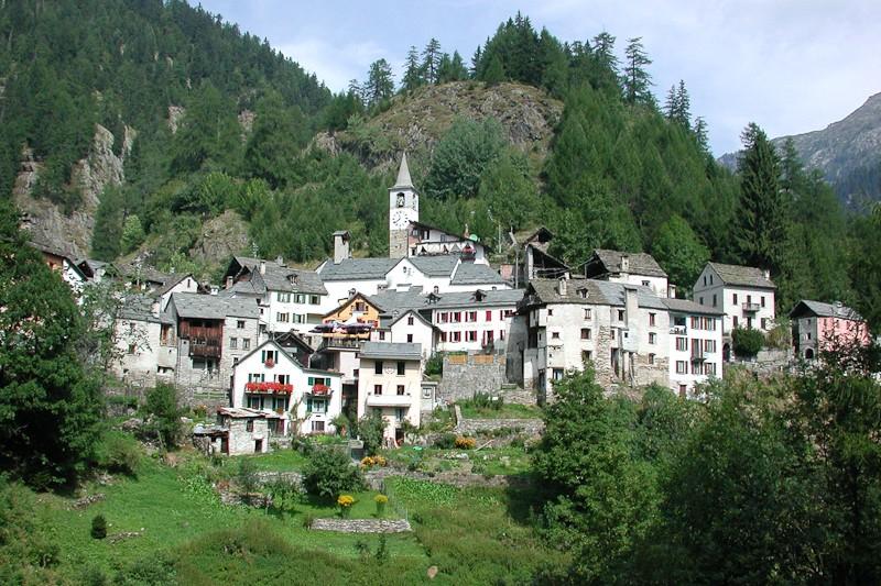 The town of Fusio, Val Lavizzara. Source: ticino.ch
