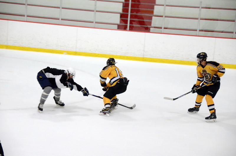 140913 Jr. Bruins vs. 495 Stars-185.JPG