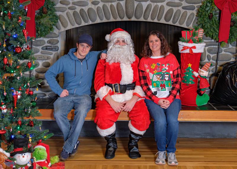 CB Santa 2019-7912.jpg