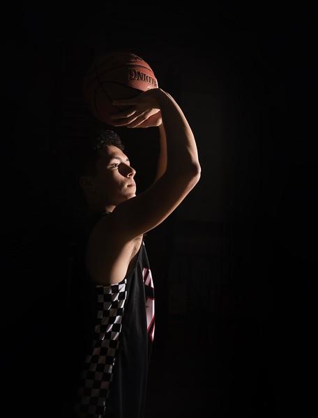 Senior-basketball-sports-photography-Eastern-Iowa-Marion-Cedar-Rapids-101.jpg