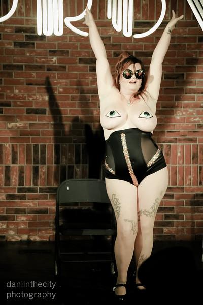 Burlesque (58 of 88).jpg