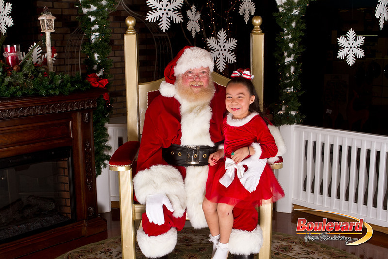 Santa Dec 15-226.jpg