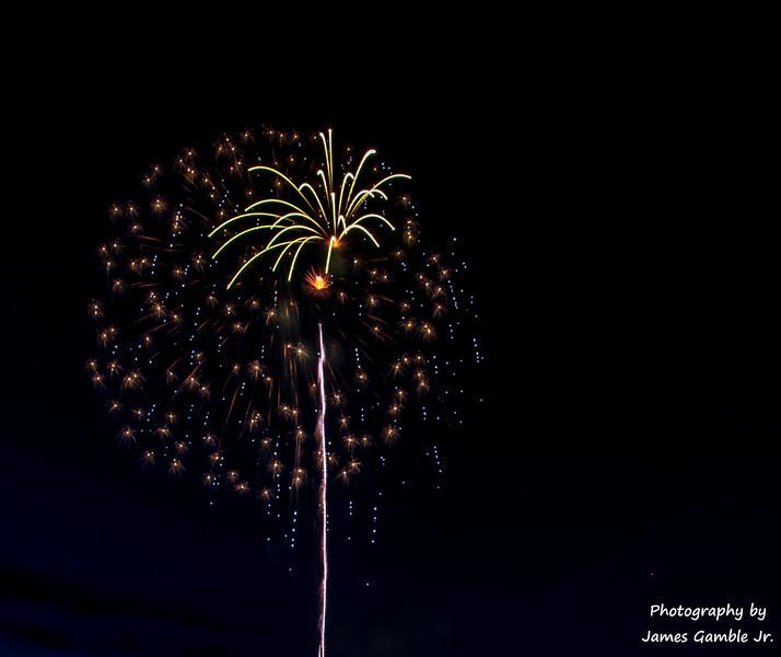 Fourth-of-July-Fireworks-2016-0304.jpg