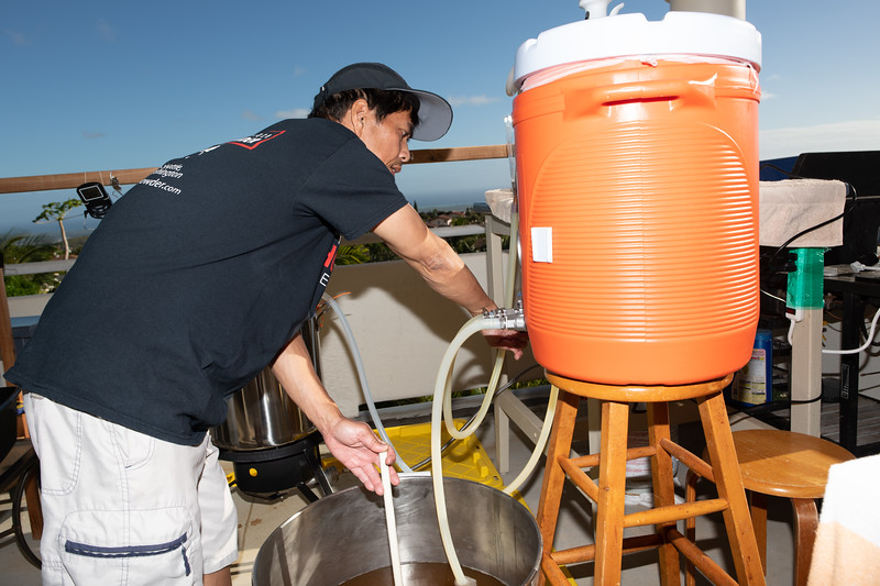 Hawaii - Brewing Beer-62.jpg