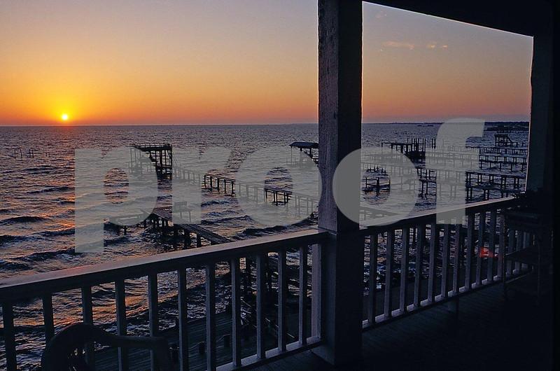 Kemah sunrise Capts. Quarters B&B b.jpg