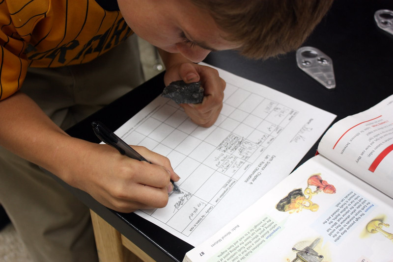 6th Gr Rock Lab (1).JPG