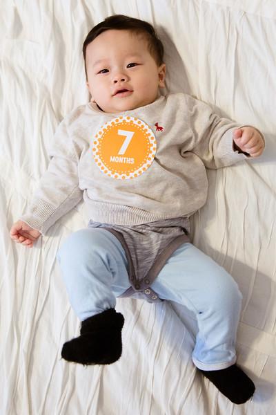 Seth 7 month-3062.jpg