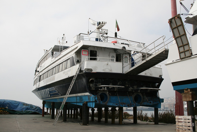 2008 - HSC CITTA' DI AMALFI : winter laid up in dry dock in Napoli.
