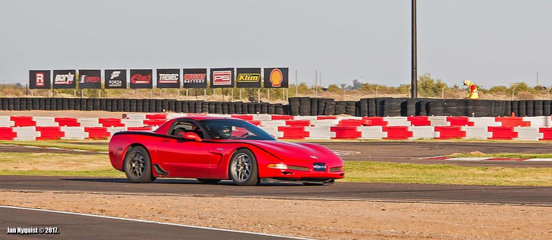 Corvette-red-black-stripe-4953.jpg