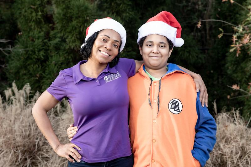 12.08.19 - Ana Santana (Christmas Photoshoot) - -13.jpg