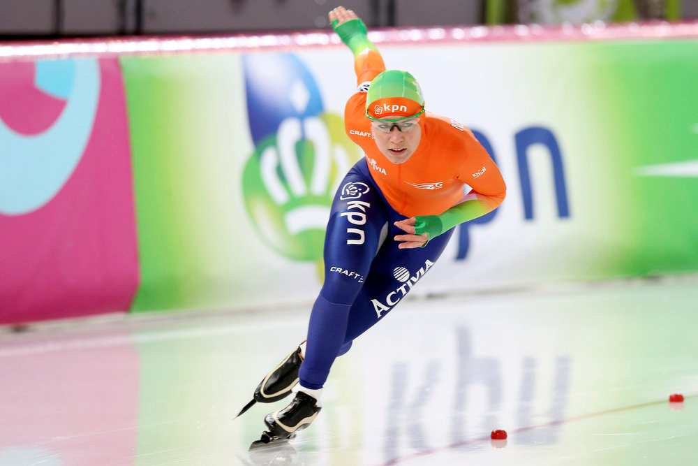 Description of . Diane Valkenburg of the Netherlands skates during the women's 500m event at the World Speedskating Championships in Hamar in this picture provided by NTB Scanpix February 16, 2013. REUTERS/Hakon Mosvold Larsen/NTB Scanpix