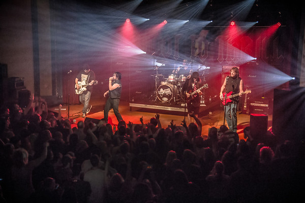 Shoot to Thrill  AC/DC Tribute band