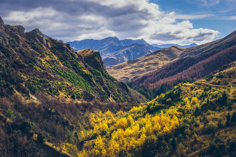 autumn-colors-skippers-canyon-new-zealand.jpg
