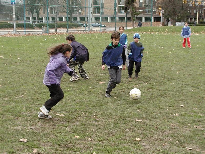 2004-11-28-GOYA-Turkey-Bowl_006.jpg