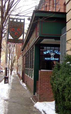 Naples Pizza - New Haven, CT