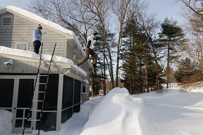 2015.02.15 snow jumping