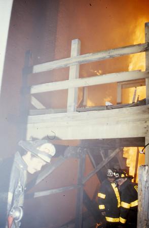 1/13/1980 - BOSTON, MASS - WORKING FIRE 192 SUMNER ST