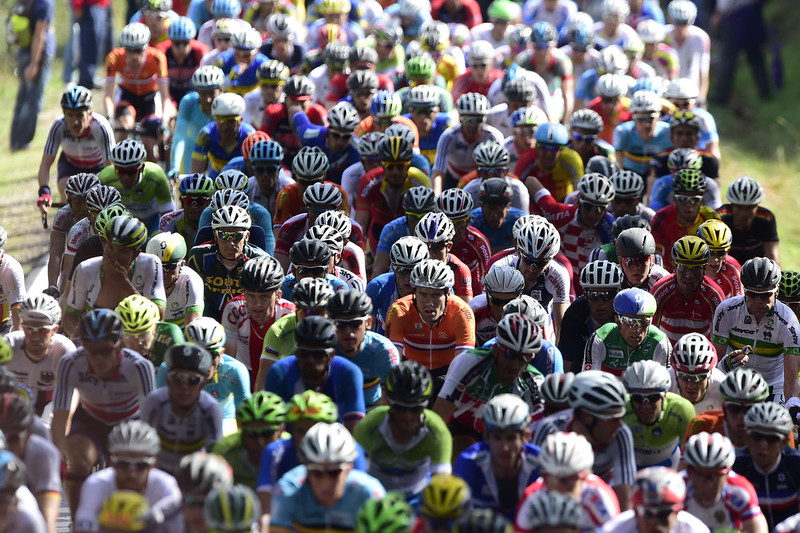 . The pack ride during the men\'s road race at the 2014 UCI Road World Championships in Ponferrada on September 28, 2014.  JAVIER SORIANO/AFP/Getty Images