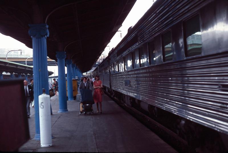 1977 05 Washington station.jpg