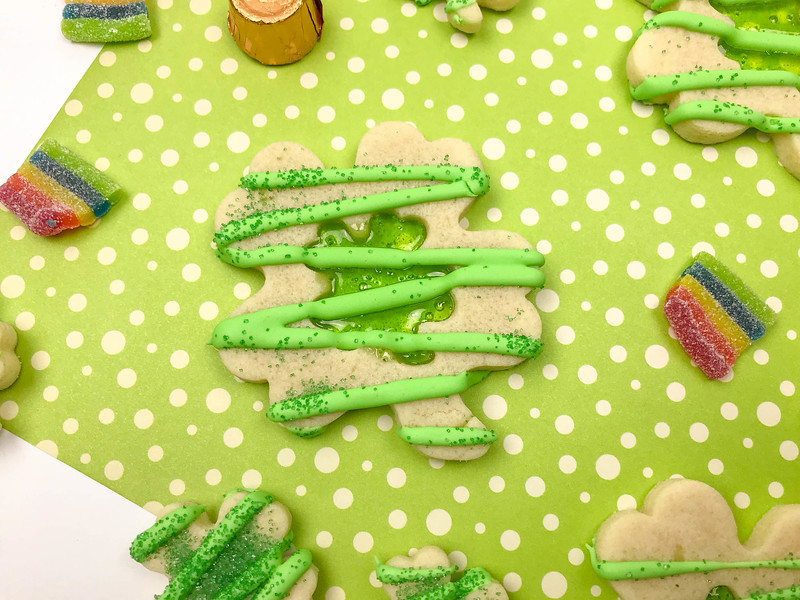 st_patricks_stained_glass_cookies_sample4-2.jpg