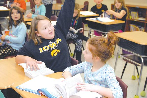 Kiwanis donate dictionaries to VS third graders