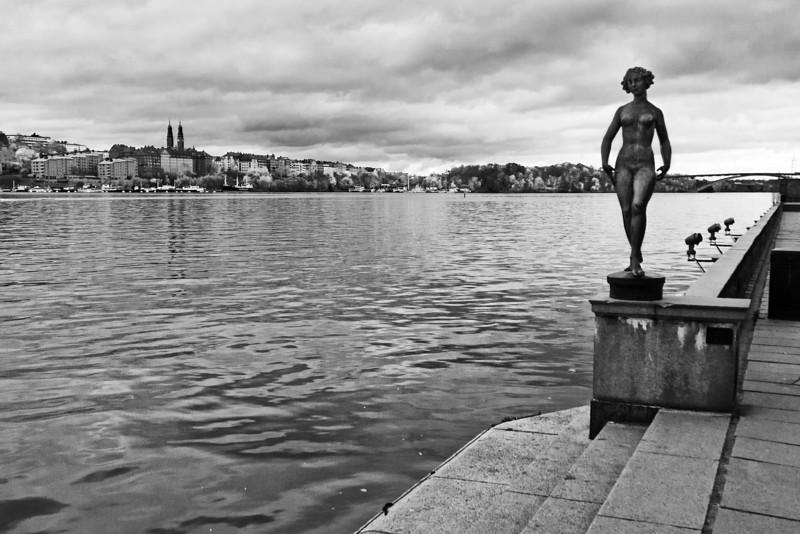 Woman Statue / Статуя женщины