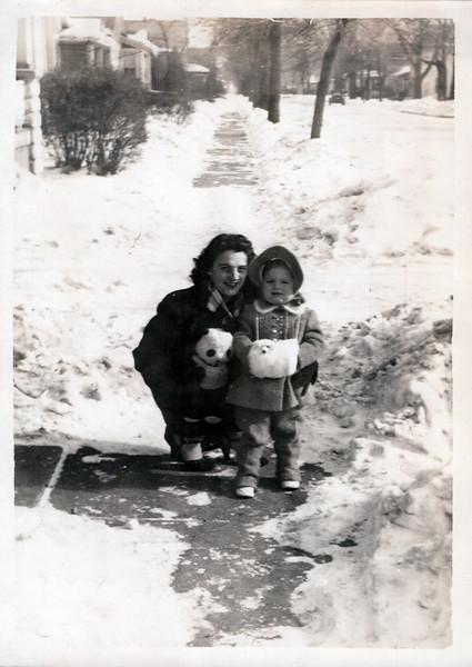 1945 Guyla and Bonnie.jpeg