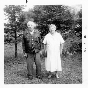 Mark and Helen Macker family