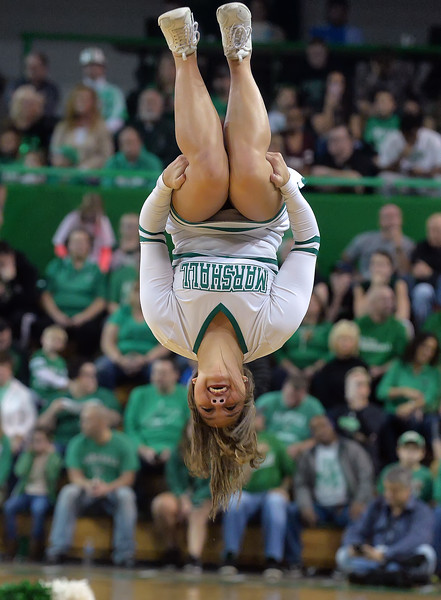 cheerleaders0531.jpg