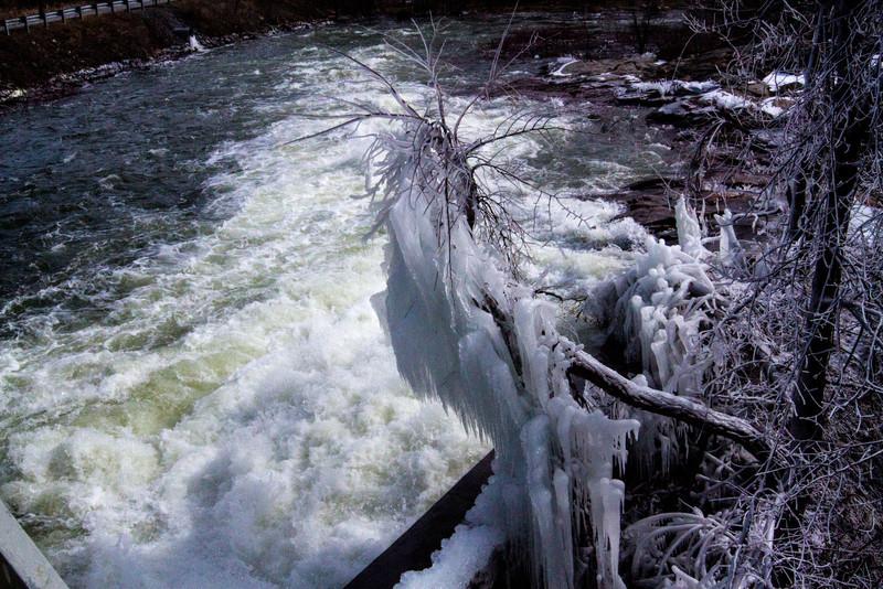 frozen water pipe-2349.jpg