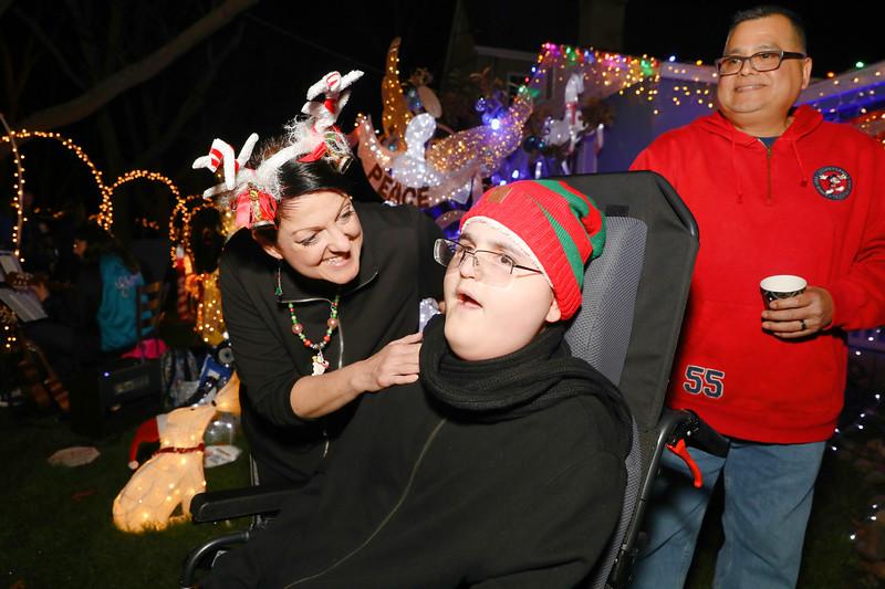 12-08-19-Christmas With Chris & Family-73.jpg