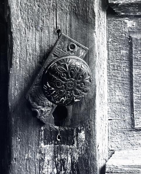 47013282_doorknob