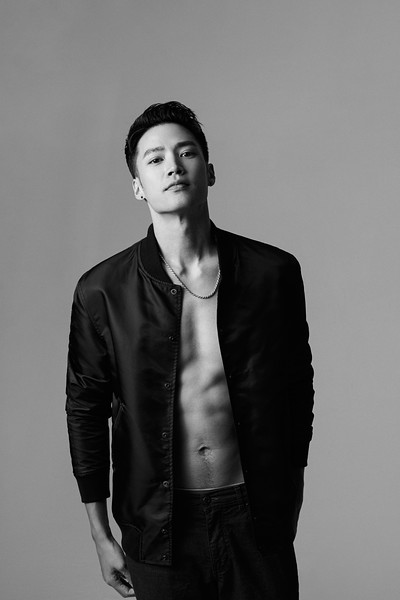 """6'1.5""""   Shoe 11.5   176 lbs Ethnicity: Chinese Skills: Chinese Actor; Collaborated Brands for TVC, Print, and Runway; Muay Thai Instructor"""