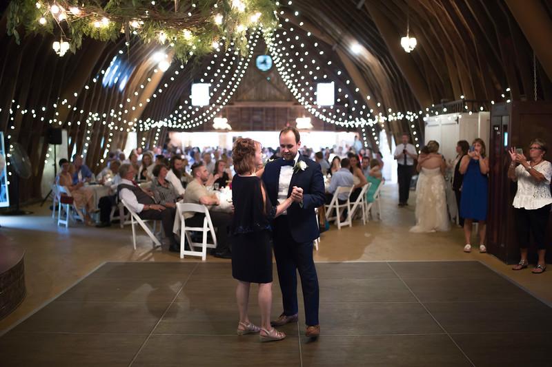 Garrett & Lisa Wedding (598).jpg