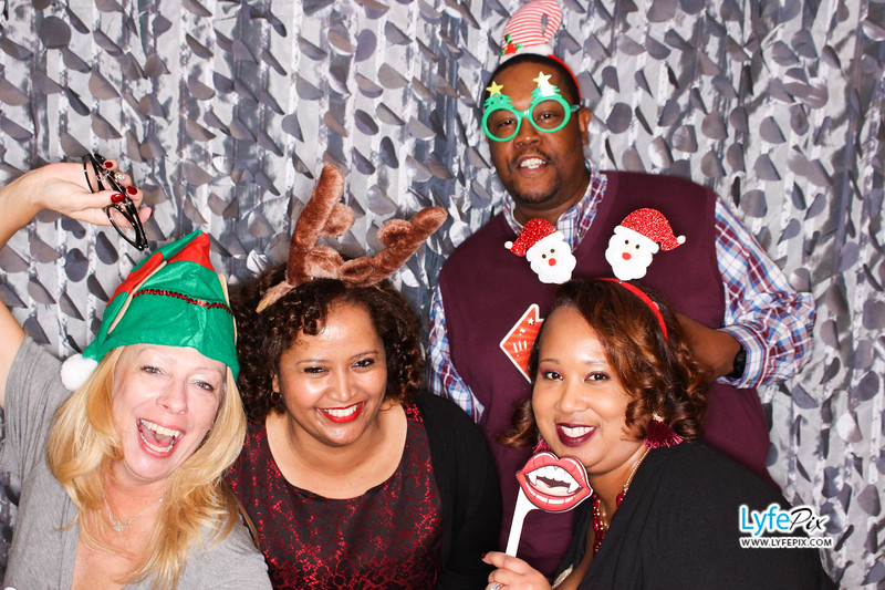 red-hawk-2017-holiday-party-beltsville-maryland-sheraton-photo-booth-0189.jpg