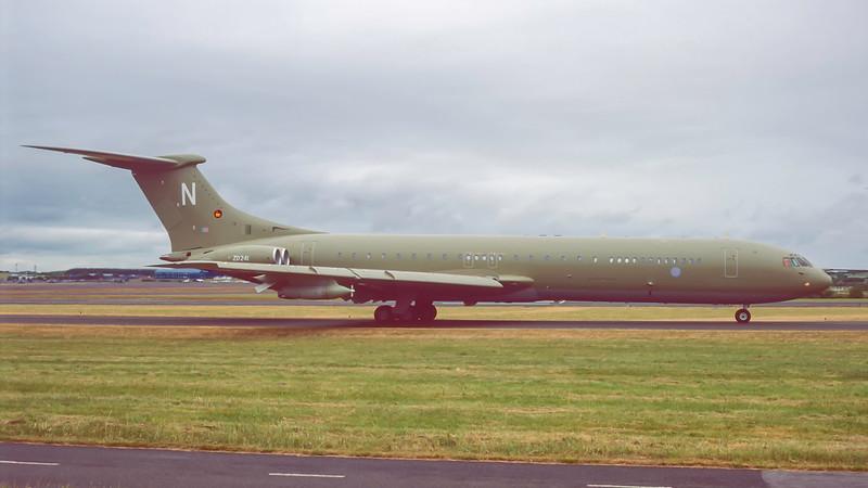 ZA241. Vickers VC10 K4. RAF. Prestwick. June. 1995.