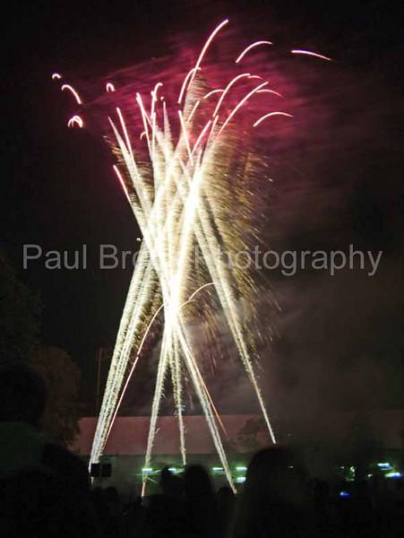 2004_1105putneyfireworks20060_edited-2001.jpg